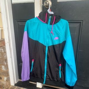 Nike windrunner jacket sz L